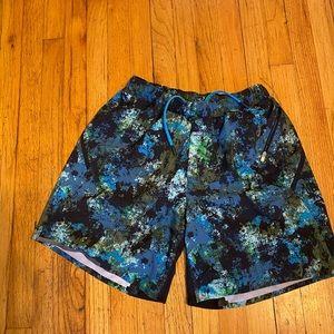 Lululemon shorts size 5